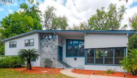 10605 Lakeview Rd E, Jacksonville, FL 32225