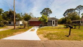 10441 Pinehurst Dr, Jacksonville, FL 32218