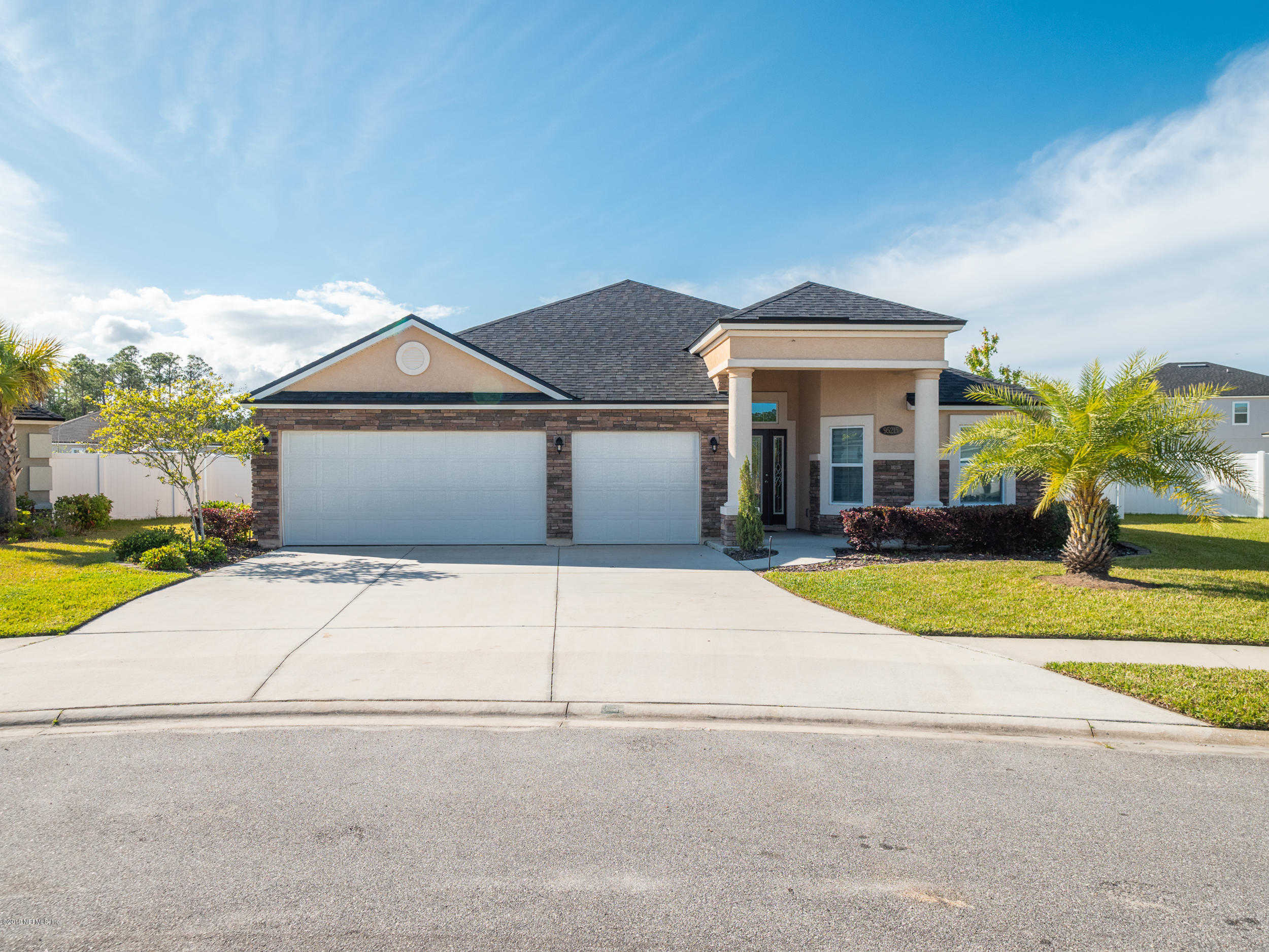 95215 Leafcrest CT, Fernandina Beach, FL 32034 is now new to the market!