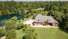 2517 Russell Rd, Green Cove Springs, FL 32043