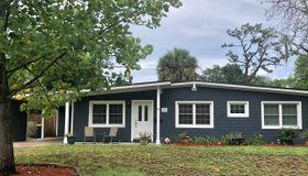 5 Oakwood Rd, Jacksonville Beach, FL 32250