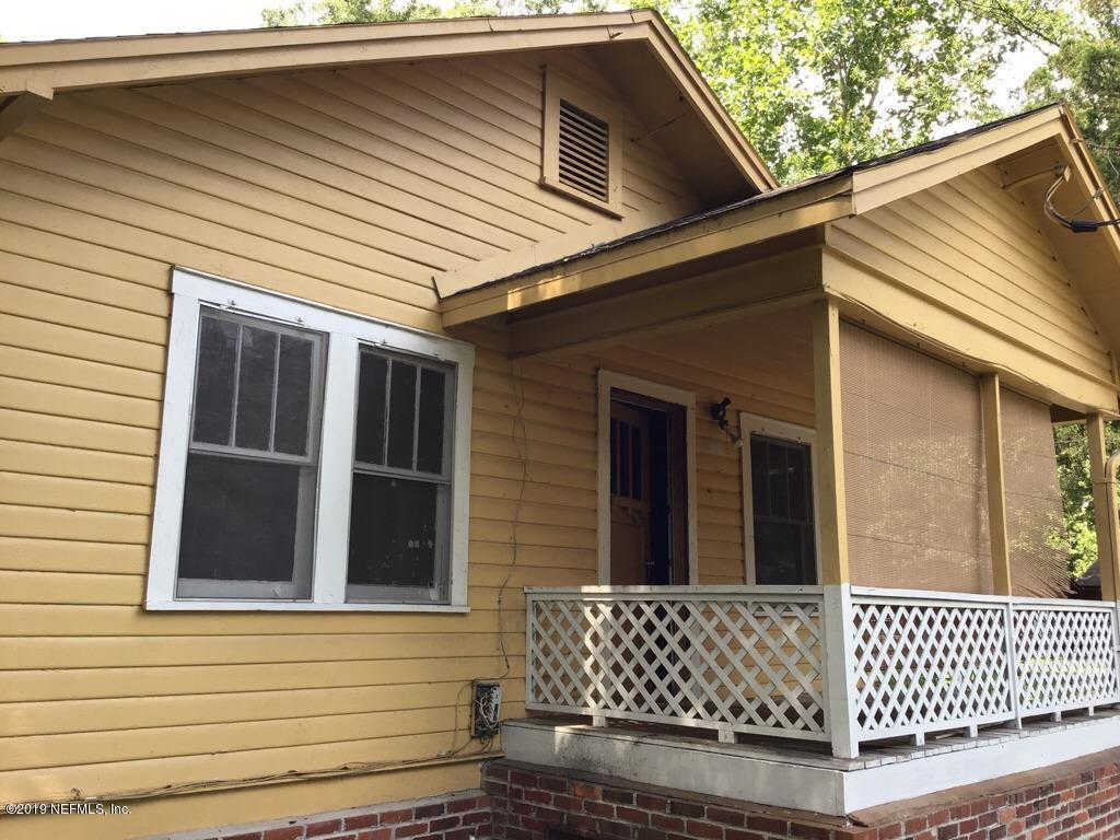 2953 W 5TH St, Jacksonville, FL 32254 is now new to the market!
