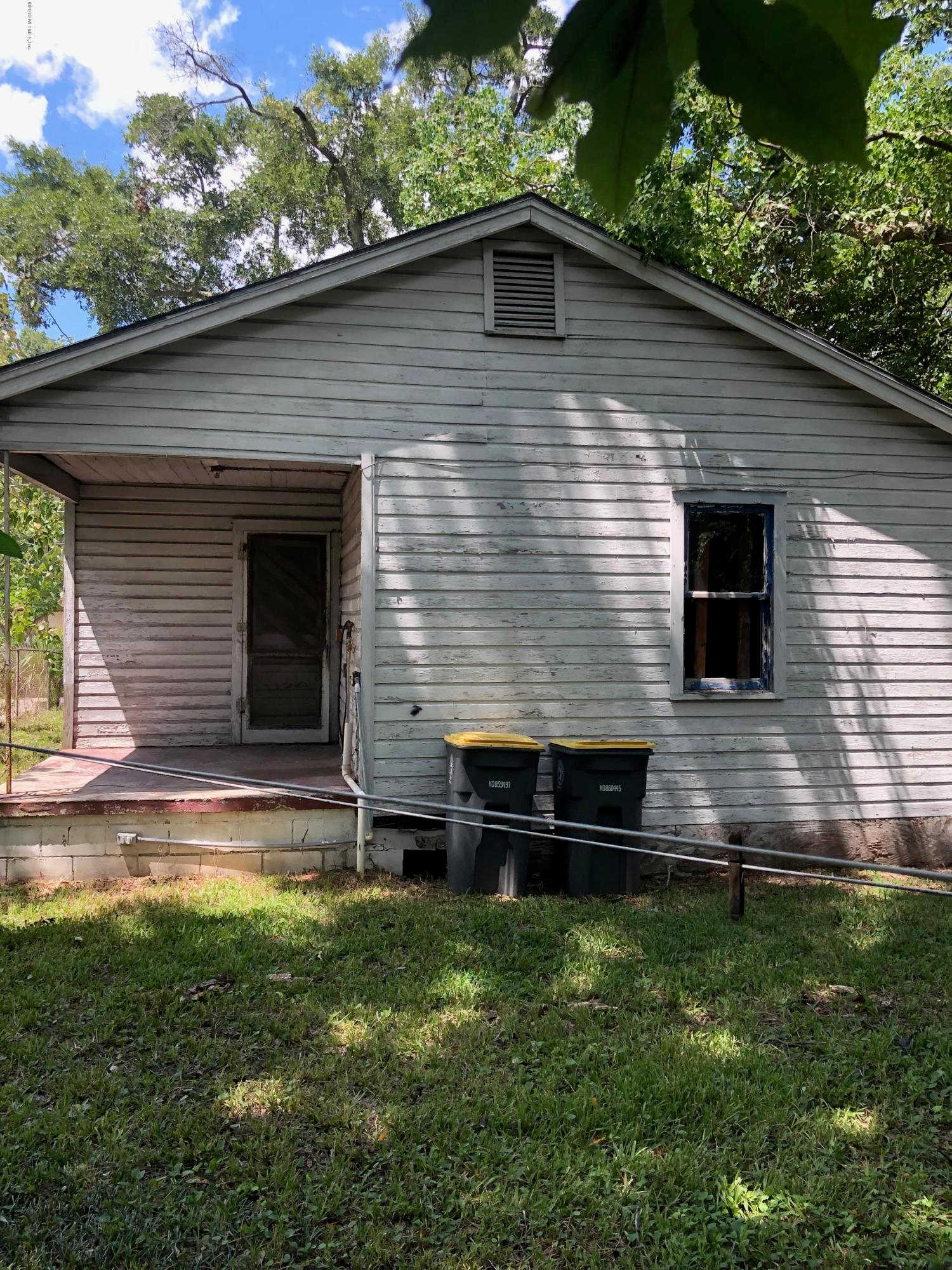 1842 W 24TH St, Jacksonville, FL 32209 is now new to the market!