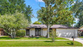 923 Grove Park Dr, Orange Park, FL 32073