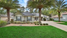 2428 Country Side Dr, Fleming Island, FL 32003