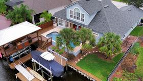 4384 Tradewinds Dr, Jacksonville, FL 32250