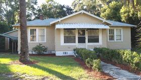 6932 Oakwood St, Jacksonville, FL 32208