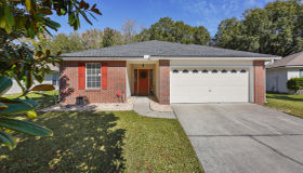 2720 Secret Harbor Dr, Orange Park, FL 32065