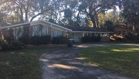 6764 LA Loma Dr, Jacksonville, FL 32217