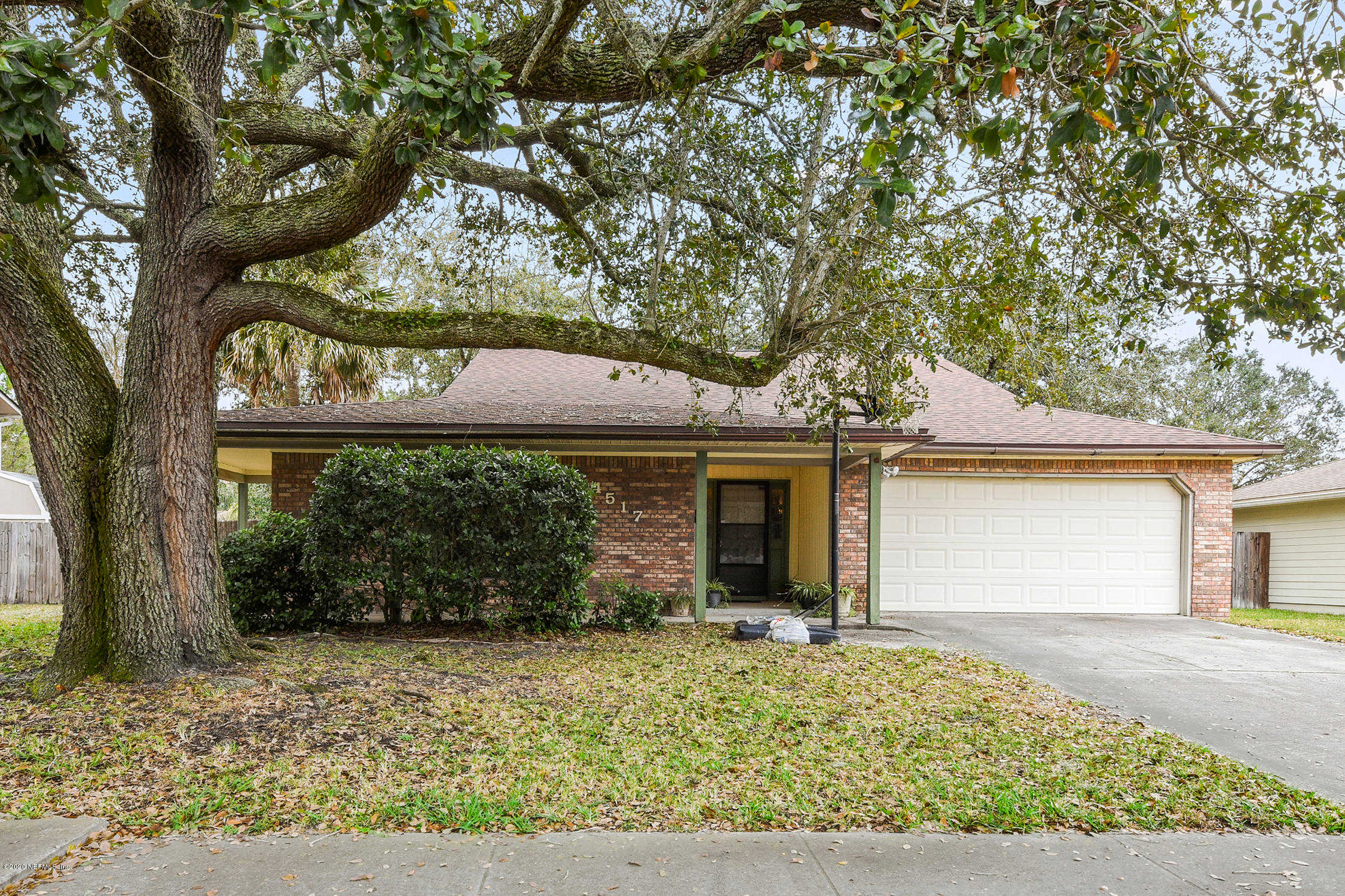 4517 Crosstie Rd N, Jacksonville, FL 32257 is now new to the market!