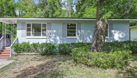 6269 Pettiford Dr E, Jacksonville, FL 32209