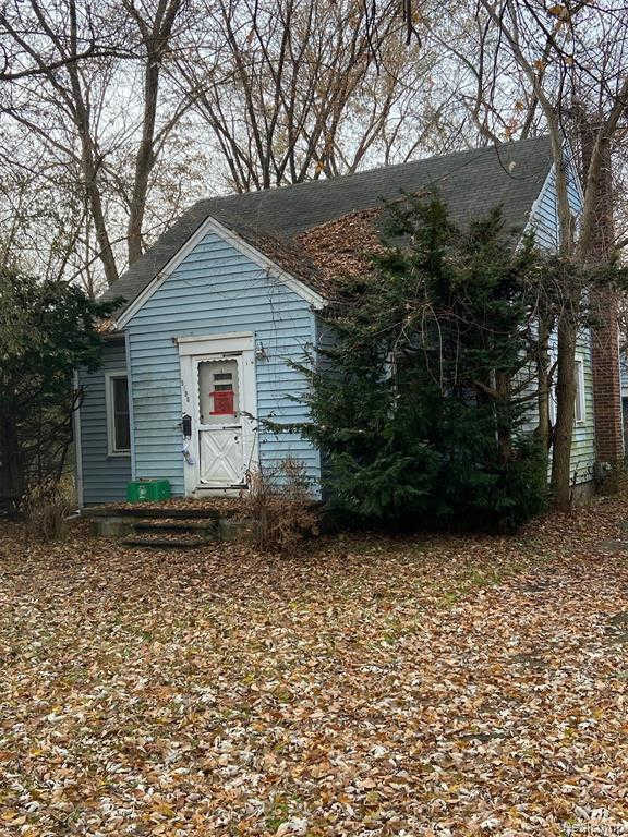 5896 Kolb Ave, Allen Park, MI 48101 is now new to the market!