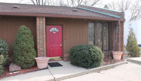 25614 Jefferson, Saint Clair Shores, MI 48081