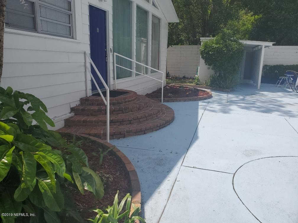 708 NW 10TH Ave #B, Gainesville, FL 32601 now has a new price of $1,500!