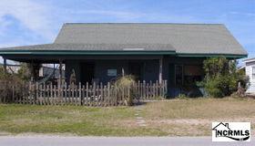 619 N Topsail Drive, Surf City, NC 28445