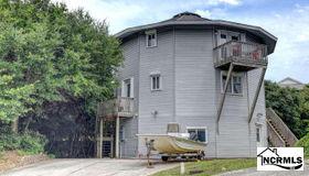 25 S Oak Court, Surf City, NC 28445