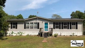 103 Scallop Lane, Sneads Ferry, NC 28460