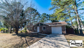 9 Sunrise Court, Carolina Shores, NC 28467