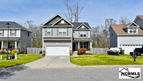 210 Peggys Trace Lane, Sneads Ferry, NC 28460