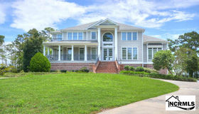 2839 Marsh Point Lane Se, Southport, NC 28461