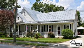 112 W Foy Street, Richlands, NC 28574