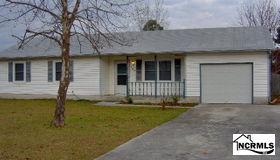 103 E Ivybridge Drive, Hubert, NC 28539