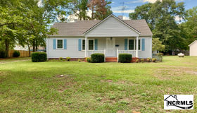 214 W Clement Street, Wallace, NC 28466