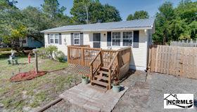 135 nw 4th Street, Oak Island, NC 28465