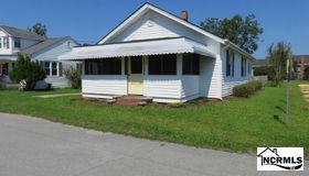 204 S Webb Street, Swansboro, NC 28584