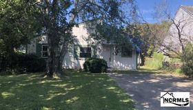 126 E Saltwood Place, Jacksonville, NC 28540