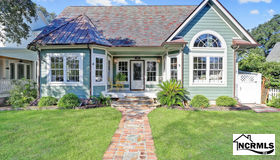 107 N Lord Street, Southport, NC 28461