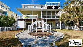 28 Raeford Street, Ocean Isle Beach, NC 28469