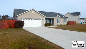 112 Hill Farm Drive, Richlands, NC 28574