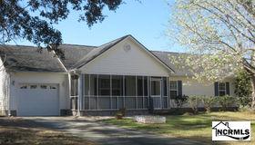 5229 Walden Court Se, Southport, NC 28461