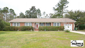 12 Beauregard Drive, Wilmington, NC 28412