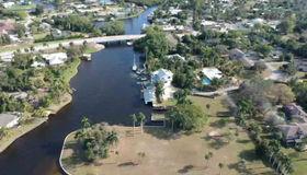 900 Robalo Dr, Fort Myers, FL 33919