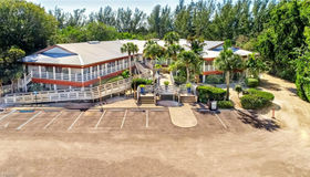 1551 Periwinkle Way, Sanibel, FL 33957
