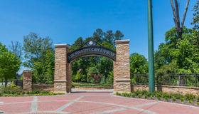 6700 Roswell Road #17a, Sandy Springs, GA 30328