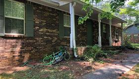 1044 Garner Road sw, Lilburn, GA 30047