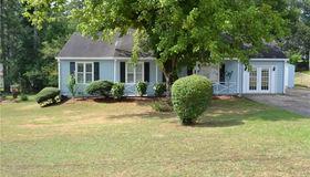 305 Knollwood Lane, Woodstock, GA 30188