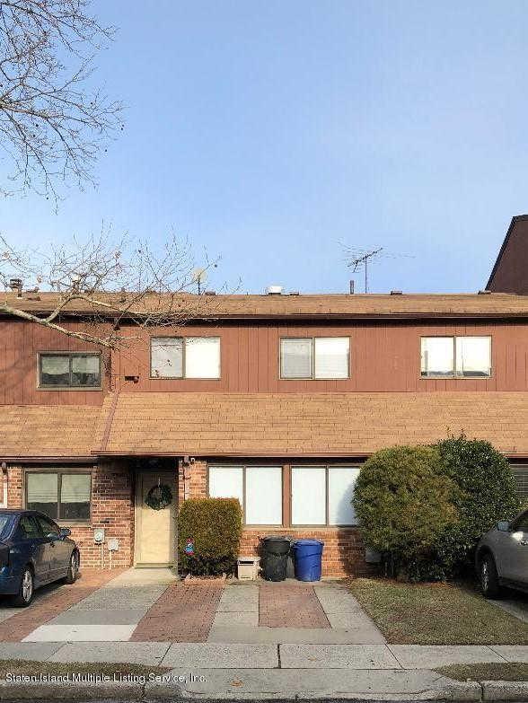11 Pamela Lane, Staten Island, NY 10304 now has a new price of $599,800!