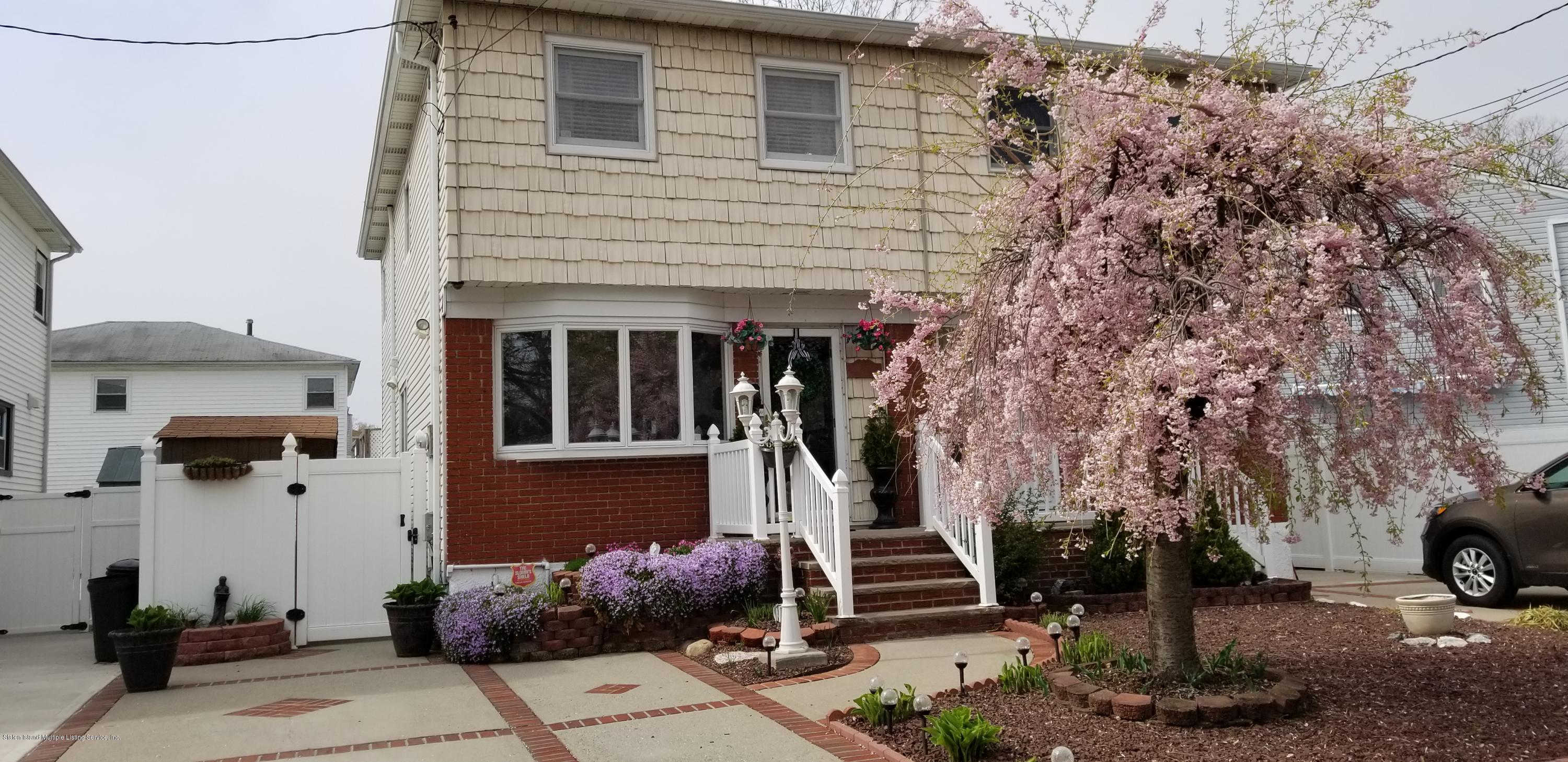 1999 North Railroad Avenue, Staten Island, NY 10306 is now new to the market!