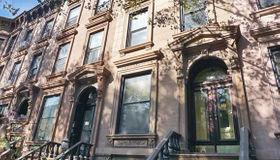 103 St.johns Place, Brooklyn, NY 11217