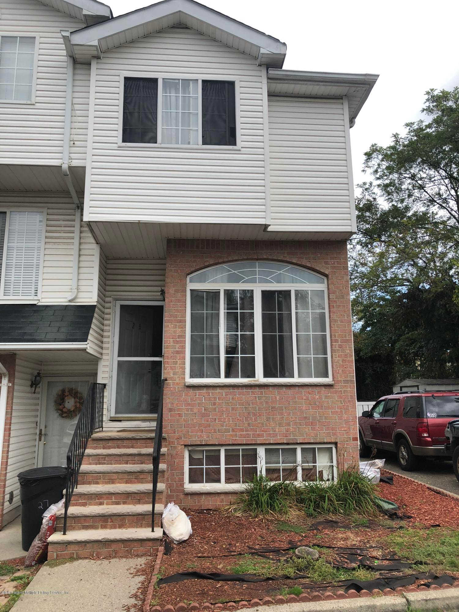 29 Rutherford Court, Staten Island, NY 10309 now has a new price of $388,000!