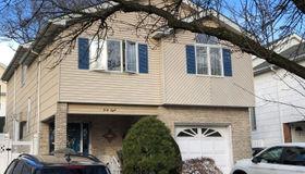 48 Marvin Road, Staten Island, NY 10309
