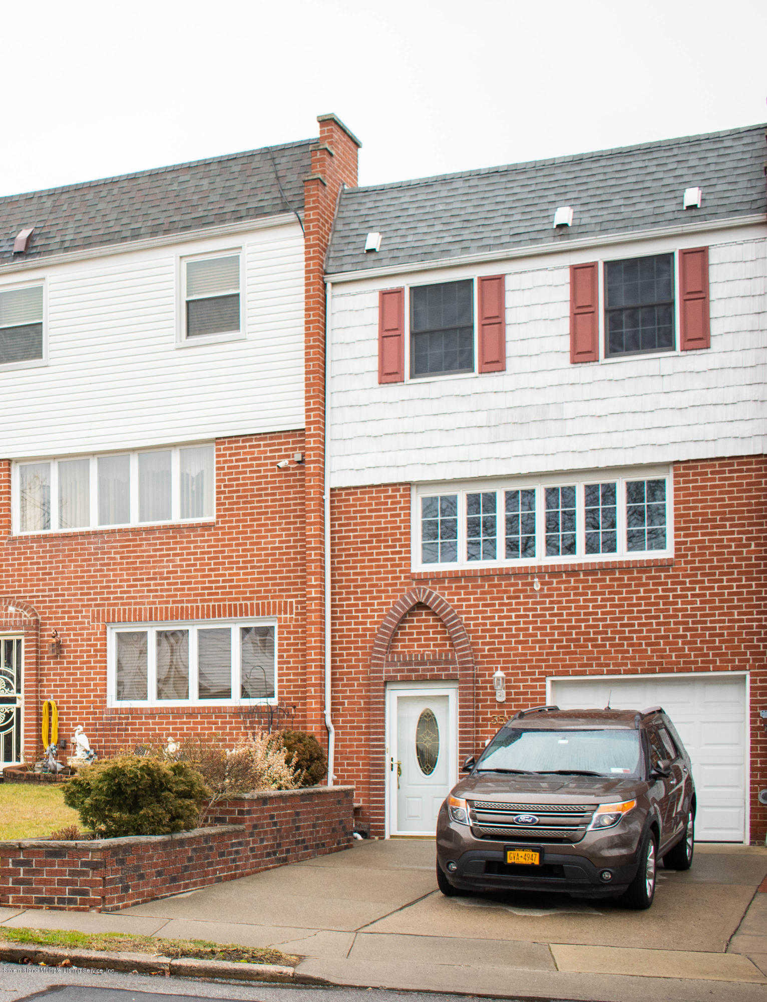 359 Fanning Street, Staten Island, NY 10314 is now new to the market!