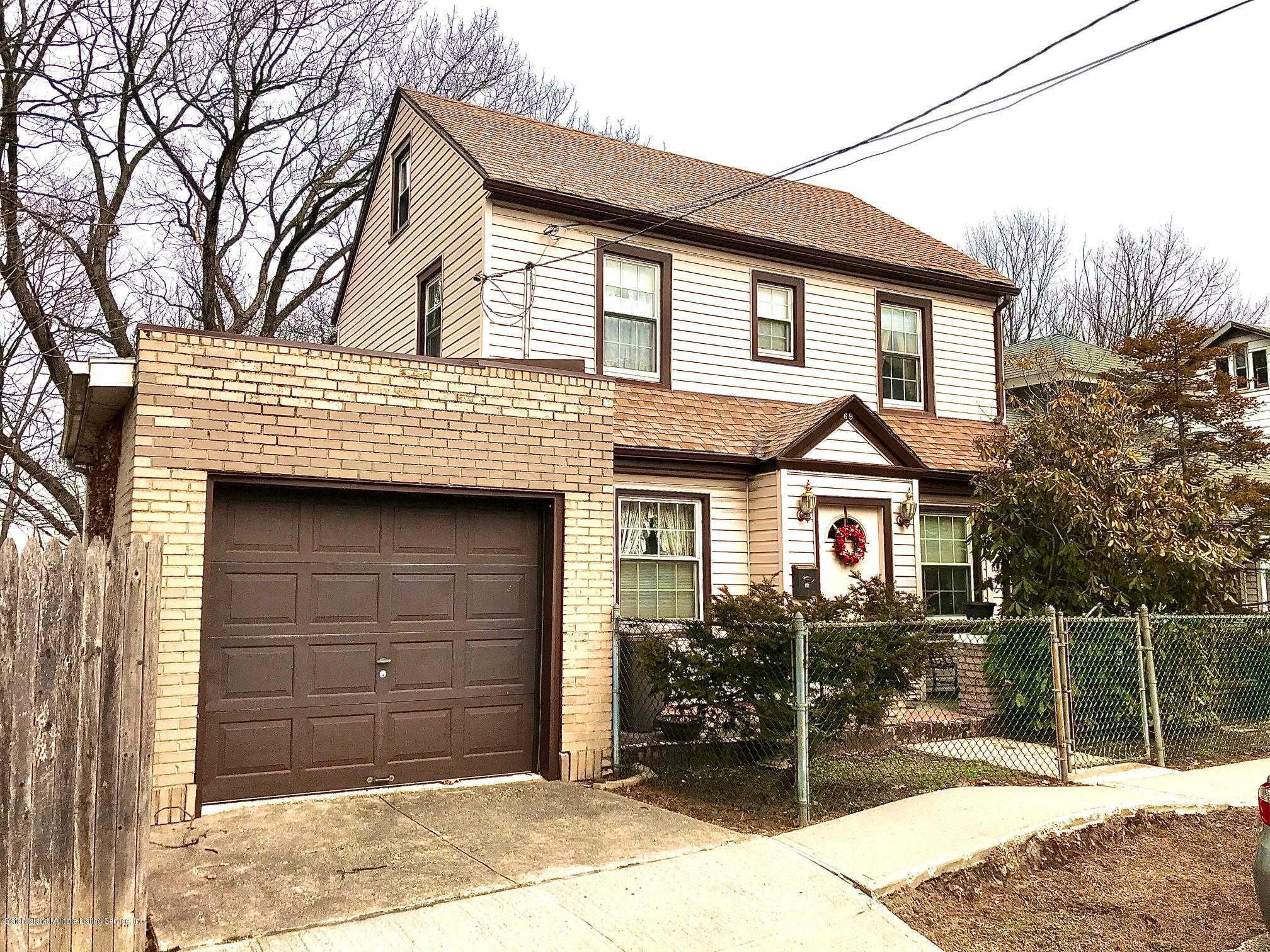 69 Portland Place, Staten Island, NY 10301 now has a new price of $499,000!