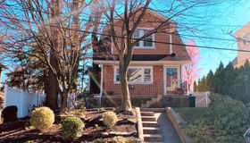 18 Hilltop Place, Staten Island, NY 10308