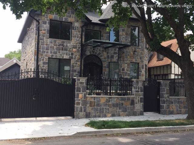 152 Beach Avenue, Staten Island, NY 10306 is now new to the market!