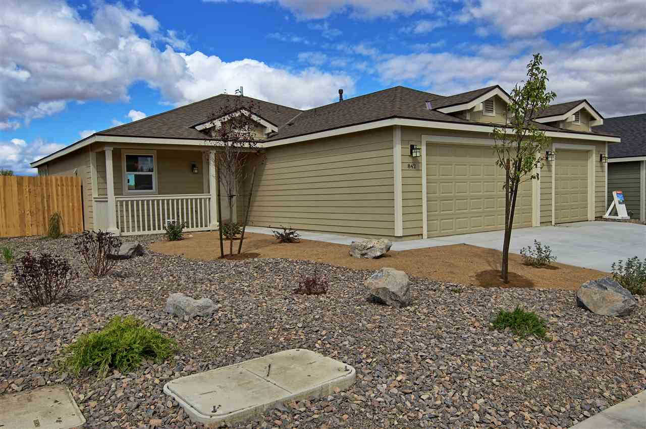 1035 Emerald Way, Fernley, NV 89408 is now new to the market!